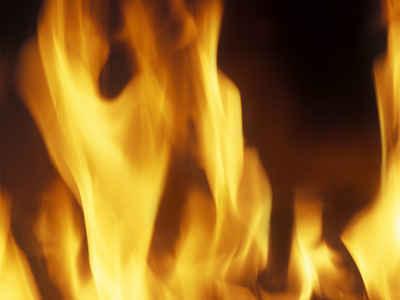 مثل آتش پاک درخشان