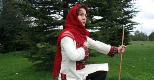زن شاهنامه خوان (۱)